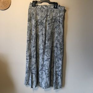 Louben made in Canada size medium free skirt.